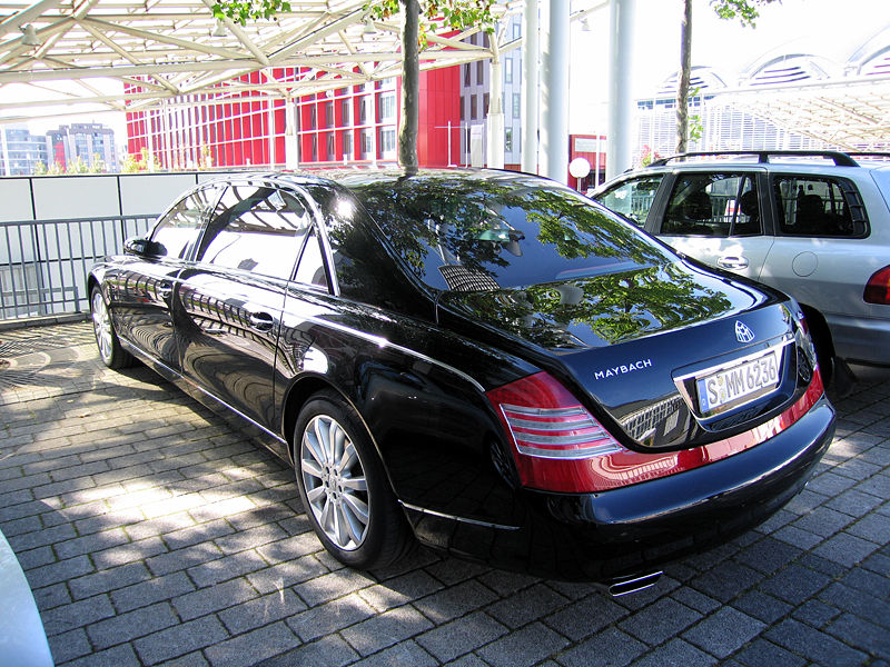 Media in category «Maybach 62» .